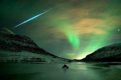 Earth's Blog: Aurora and Geminid Meteor over Kvaløya