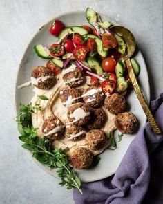 Vegan Appetizers, Vegan Dinner Recipes, Vegan Dinners, Appetizer Recipes, Gluten Free Meatballs, Vegan Meatballs, Vegetarian Cookbook, Vegan Vegetarian, Vegetarian Recipes