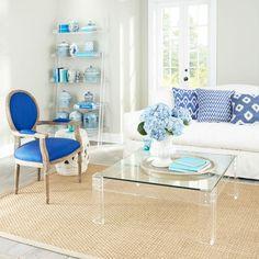meubles en plexiglas et décoration de maison