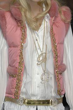 Farb-und Stilberatung mit www.farben-reich.com Sleeveless jacket