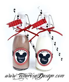 Chocolate milk & milk bottles decorated for mickey mouse party =)   Mikke mus, flasker pyntet med etiketter sugerør og sugerørflagg/teip. Supersøte!