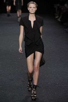 Elie Saab Spring/Summer 2010 Ready-To-Wear