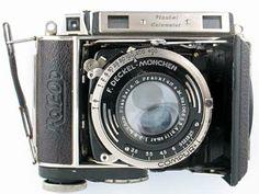 Medium format cameras with coupled rangefinder.