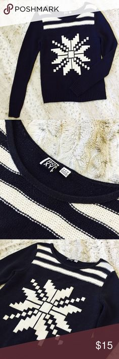 Roxy Winter Snowflake Sweater Sweater EUC. Navy blue and white. Very minor pilling. This sweater does tend to attract fuzzies, but overall, it's such a great addition to any closet! Cozy and cute! Pair it with some cute ankle boots and jeans! Roxy Sweaters Crew & Scoop Necks