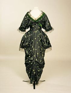 dress Created by: Jacques Doucet (designer) Created: 1913-1914 Manchester Art Gallery. CLICK to enlarge