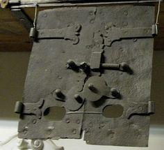 Antique doors for kakelugn