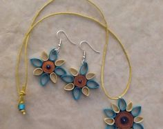 Necklace and earrings in quilling by Quillingdibavalem on Etsy