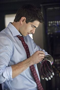 It is starting to sound like Brandon Routh might have a new full gig as he is in early talks with The CW' about another 'Arrow' spin-off that focuses on his new character, 'The Atom. Brandon James, Brandon Routh, Arrow Tv Series, Cw Series, Legends Of Tommorow, Dc Legends Of Tomorrow, Arrow Cw, Team Arrow, Dc Comics