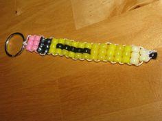 Great Pony Bead pencil keychain for academics Pony Bead Projects, Pony Bead Crafts, Beaded Crafts, Diy Crafts, Pony Bead Animals, Beaded Animals, Pony Bead Patterns, Beading Patterns, Bead Lizard