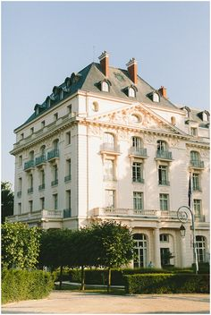 Hotel Trianon in Versailles just outside of Paris | Image by French Grey Photography