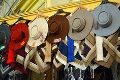 Ponchos y sombreros de huaso artesanias-de-chile