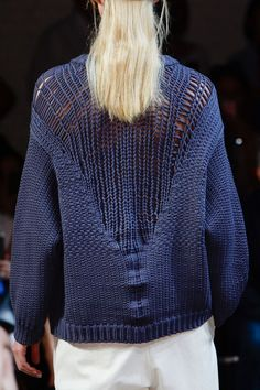 Tibi Spring 2015 Runway Pictures - StyleBistro Love the use of a tube yarn and the color is really lovely :)
