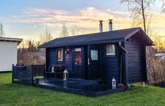 Saunatupa Shed, Outdoor Structures, Cabin, House Styles, Outdoor Decor, Home Decor, Steam Room, Decoration Home, Room Decor