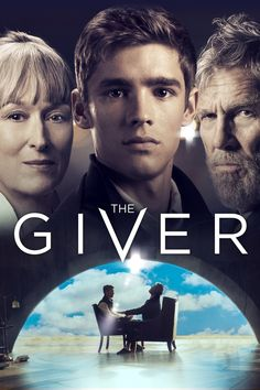 """The Giver (2014) Dalam komunitas yang tampaknya sempurna, tanpa perang, rasa sakit, penderitaan, perbedaan atau pilihan, seorang anak laki-laki dipilih untuk belajar dari seorang pria tua tentang rasa sakit dan kesenangan sebenarnya dari dunia """"sebenarnya""""."""