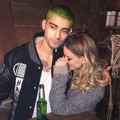 ZAYN WHAT ARE YOU DOING? DID YOU LOSE A BET TO MIKEY? I BET IT WAS MIKEY!