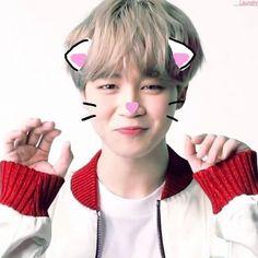 I like k-pop but I love jimin I love you jiminiee ❤️❤️ Kim Taehyung, Namjoon, Hoseok, Jung So Min, Yoonmin, Jikook, Bts Jimin, Bts Bangtan Boy, K Pop