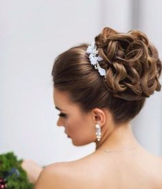 Best Wedding Hairstyles Updo With Crown Hair Pieces 19 Ideas Hairdo Wedding, Wedding Hairstyles For Long Hair, Wedding Hair And Makeup, Bridal Hair, Short Hair, Thin Hair, Wavy Hair, Red Hair, Crown Hairstyles