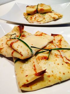 Crespelle zucchine speck e stracchino Vegetarian Recipes, Cooking Recipes, Healthy Recipes, Healthy Food, Crespelle Recipe, Xmas Food, Chicken Wing Recipes, Eat Smart, Food Humor
