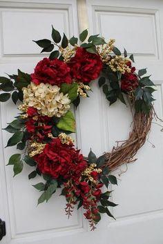 Diy Wreath, Grapevine Wreath, Wreath Crafts, Wreath Ideas, Door Wreaths, Rustic Wreaths, Ribbon Wreaths, Tulle Wreath, Hydrangea Wreath