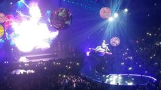 Katy Perry Stuck In Space After Concert Prop Decides To Stop Midair