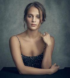 Alicia Vikander portrait at BIFA Celebrity Photography, Portrait Photography, Alicia Vikander Style, Beautiful People, Beautiful Women, Gorgeous Girl, The Danish Girl, Ex Machina, Poses
