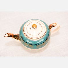 Sadler Teapot, $42, now featured on Fab.
