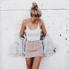 Street style look com body branco e saia rosa. - - Street style look com body branco e saia rosa. Style Outfits, Mode Outfits, Fresh Outfits, Outfit Styles, School Outfits, Cute College Outfits, Gym Outfits, Cowgirl Outfits, Office Outfits