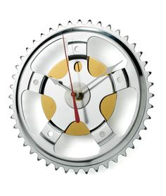 Clock made from a hard drive and a bicycle sprocket??? Yes, please. I might even be able to make one.