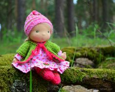 © TatiArt. Natural dolls and toys.: Лесная Гномочка, 20см Waldorf Dolls, Christmas Ornaments, Holiday Decor, Life, Packaging, Activity Toys, Baby Dolls, Tela, Cloth Art Dolls