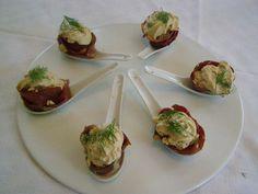 Découvrez la recette Cuillères de Chantilly de foie gras et de magret de canard fumé sur cuisineactuelle.fr.