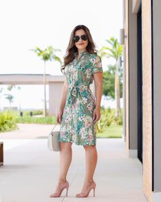 This pin was discovered by dominic mitchell. Elegant Dresses, Casual Dresses, Fashion Dresses, Summer Dresses, Floral Dresses, Girls Dresses, Skirt Outfits, Cute Outfits, Dress Up