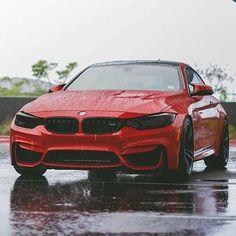 BMW F82 M4 red rain