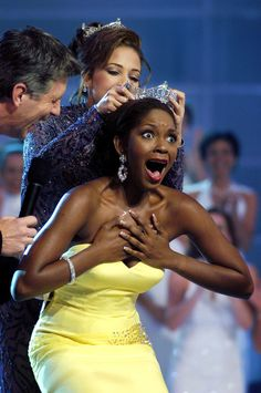 Erika Dunlap, Miss America 2004 (Florida)...love the expression on her face, lol!