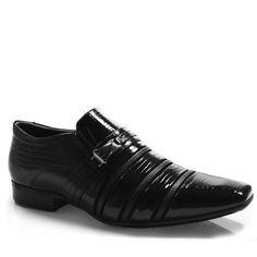 Como fica elegante homem com sapato social!!  Olha esse super moderno do Jota Pê,que além de lindo é flexível nas dobras,evitando aquelas marcas de rachaduras no peito do pé do calçado. !