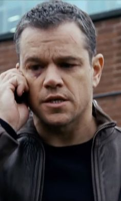 Matt Damon is back as Jason Bourne in a new sneak peek that takes the iconic character to Las Vegas. Matt Damon, Jason Bourne 5, New Movies Coming Soon, Star Trek Beyond, Movie Guide, New Line Cinema, Kate Mckinnon, Movie Previews, Zachary Quinto