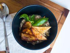 Jalotofun kulhohaaste inspiroin kokeilemaan paria erikoisempaa annosta tofua käyttäen. Vai miten olisi aamupalaksi zucchini-puuro ja banaani-tofupaistosta?