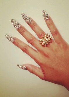 It is all about all that glitters! Have some fun with sparkle and glitter nails and complete your look. Make a fashion statement with sparkle and glitter nails French Nails Glitter, Glittery Nails, Fancy Nails, Bling Nails, Stiletto Nails, Bling Bling, Rhinestone Nails, Gold Glitter, Fabulous Nails