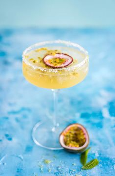 This Champagne Margarita Cocktail Recipe Will Replace Your Brunch Rosé Tequila, Champagne Margaritas, Cocktails, Cocktail Recipes, Brunch, Passion Fruit Margarita, Brit, Fruit Photography, Fruit Drinks
