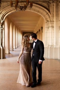 Could this Adrianna Papell #dress be any dreamier? We love this look for #engagement pictures. #weddinginspo  Balboa Park Engagement Photos | photography by http://www.damarismia.com/