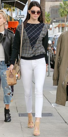Kendall Jenner in white skinny jeans #InStyle