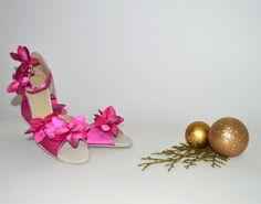 Sytě růžové svatební boty -  taneční styl úprava pro běžné nošení venku. Sýto ružové svadobné topánky - v tanečnom štýle s úpravou pre bežné nosenie vonku, svatební obuv, společenksá obuv, spoločenské topánky, topánky pre družičky, svadobné topánky, svadobná obuv, obuv na mieru, topánky podľa vlastného návrhu, pohodlné svatební boty, svatební lodičky, svatební boty se zdobením,topánky pre nevestu, ružové, cyklaménové svadobné topánky Sandals, Shoes, Fashion, Shoes Sandals, Zapatos, Moda, Shoes Outlet, La Mode, Shoe
