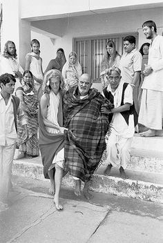 Neem Karoli Baba, Saints Of India, Shri Hanuman, Ram Dass, Nainital, Vintage India, God Pictures, Lord Shiva, Sufi
