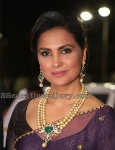 Latest Collection of best Indian Jewellery Designs. Indian Jewellery Design, Jewellery Designs, Indian Jewelry, Lara Dutta, Pearl Jewelry, Gold Jewellery, Indian Bollywood Actress, Glam Girl, Cute Woman