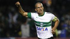 Alex, do Coritiba, fechou patrocínio com a Penalty. Ele merecia muito mais...