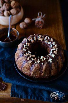 Bábovka z ovsených vločiek Healthy Cake, Healthy Recipes, Healthy Food, Doughnut, Sweet, Fitness, Cakes, Healthy Meatloaf, Healthy Foods