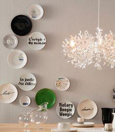 Decorative wall plates (lovely arrangement!)