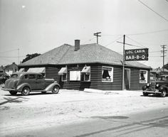 Log Cabin, 2401 South Division (still there) - July 12, 1939