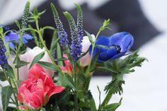 Lieblingsblumen - Frühlingsstrauß - Anemonen - Tulpen - Veronica - Heidelbeerzweige