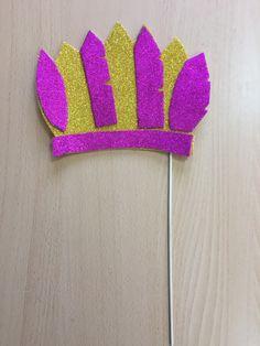 Corona de Plumas de foam para photocall