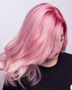 101 tanned, 4 comments – Isabella Carolina ✂️HairArt✂️ (Dear bella … - Best New Hair Styles Light Pink Hair, Pastel Pink Hair, Hair Color Pink, Dark Hair, Mermaid Hair Colors, Dye My Hair, Rainbow Hair, Pretty Hairstyles, Blond